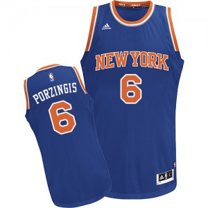 New York Knicks Kristaps Porzingis #6 Road Swingman Maillot d'équipe de NBA - Bleu royal pour Homme