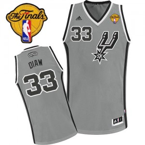 Maillot NBA Gris argenté Boris Diaw #33 San Antonio Spurs Alternate Finals Patch Swingman Homme Adidas