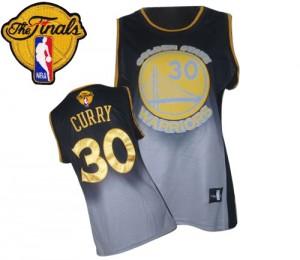 Maillot Swingman Golden State Warriors NBA Fadeaway Fashion 2015 The Finals Patch Gris noir - #30 Stephen Curry - Femme