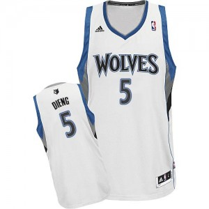 Maillot NBA Blanc Gorgui Dieng #5 Minnesota Timberwolves Home Swingman Homme Adidas